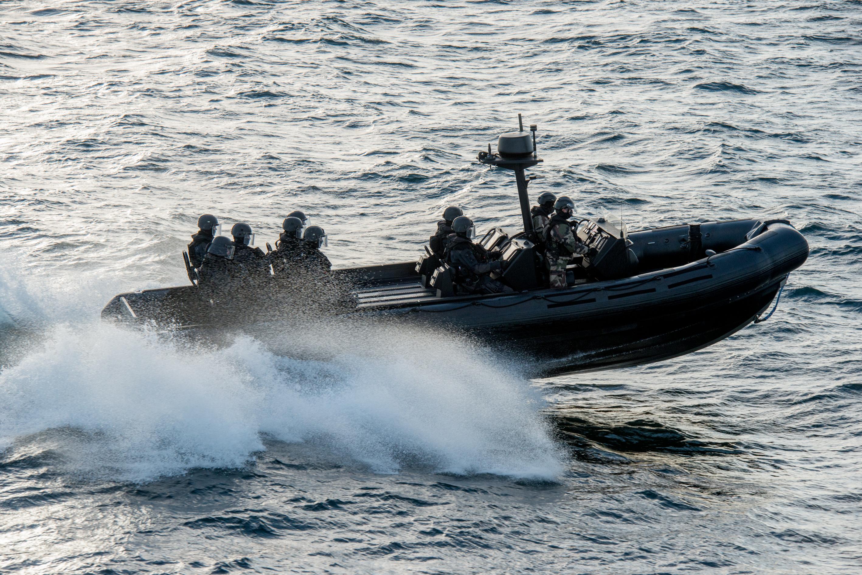 zodiac milpro marine nationale ecume bateau