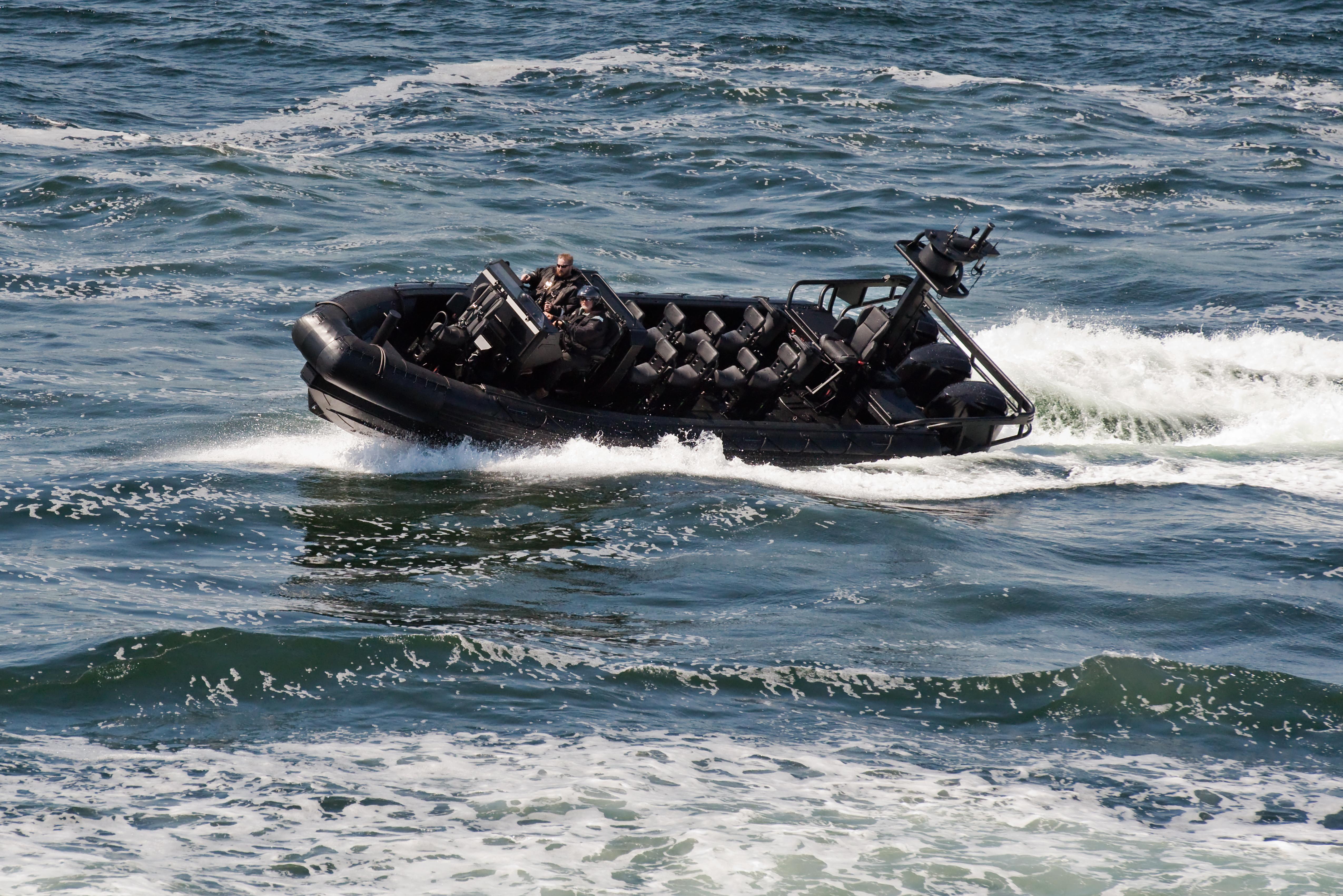 zodiac hurricane commando boat